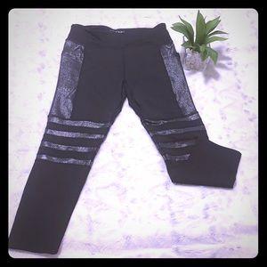❄️ Fashionnova stylish gym shorts